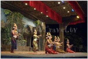 Apsara & old traditional Khmer dance Koulen Restaurant Siem Reap