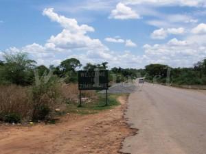 Zimbabwe Border 001
