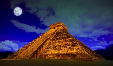 Chichen Itza - pyramid El Castillo - Temple of Kukulcan, Yucatan, Mexico 01