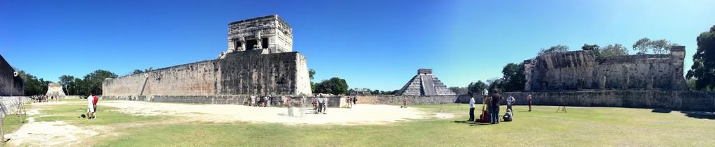 Chichen Itza - pyramid El Castillo - Temple of Kukulcan, Yucatan, Mexico 02