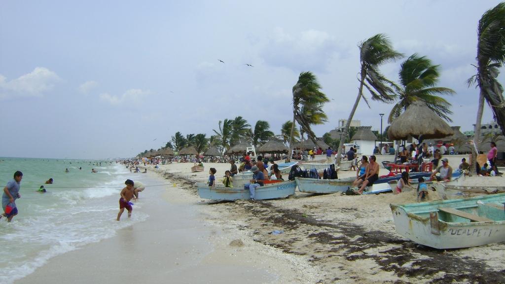 Dzibilchaltun, Yucatán, Mexico. Port Progreso 17