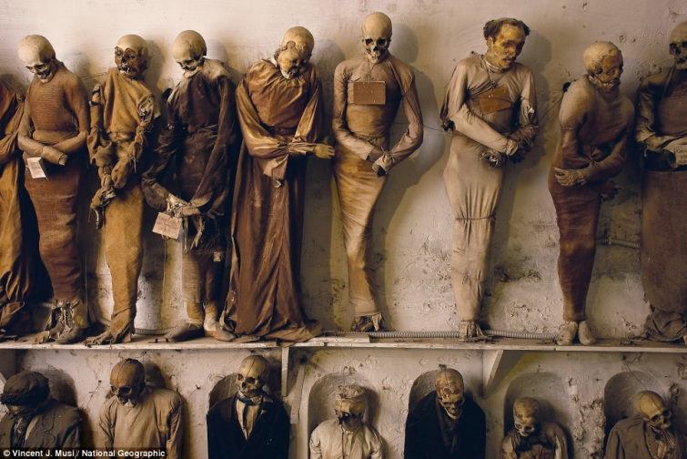 Катакомбы капуцинов  (Catacombs of the Capuchins),  Палермо (Palermo), Италия