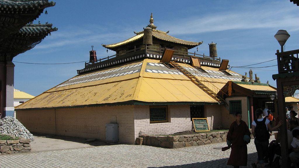 Gandantegchinlen Monastery 2