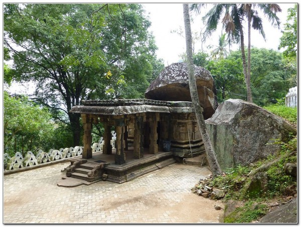 Sri Lanka. Ridi Vihara 002