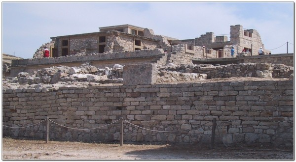 Minoan civilization 02 Palace_of_Knossus