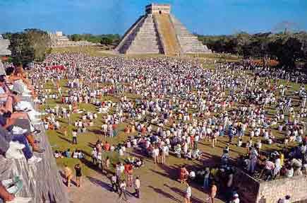 Chichen Itza - pyramid El Castillo - Temple of Kukulcan 28