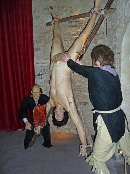 Музей Средневековых Пыток  (Medieval Torture Museum),  Сан-Джиминьяно (San Gimignano),  Италия