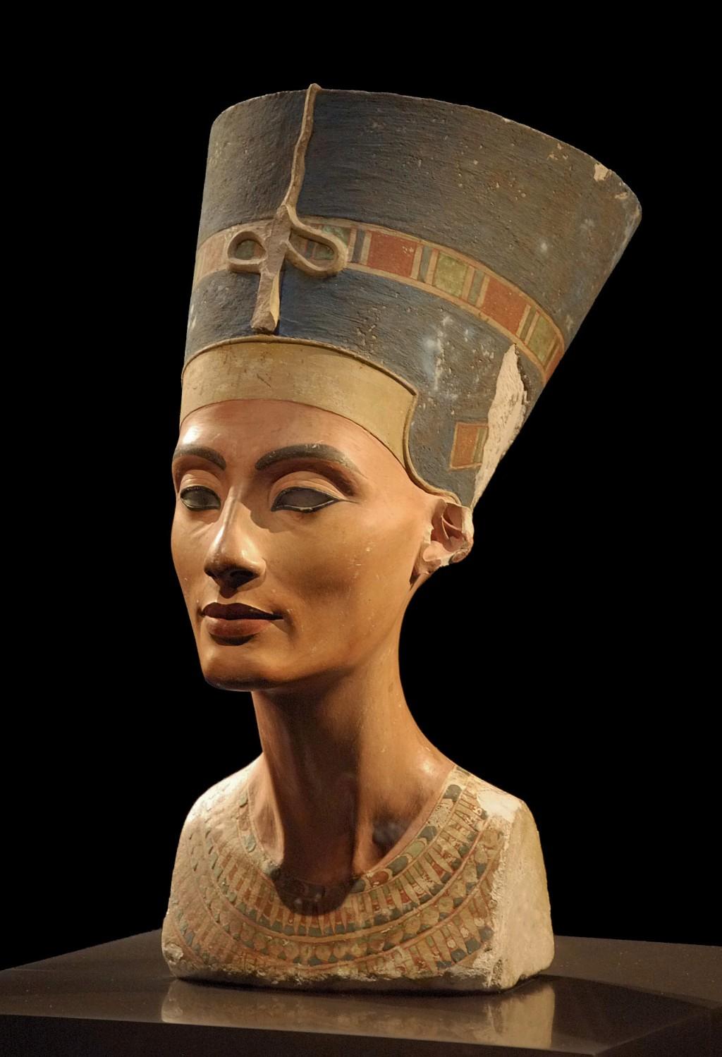 Nefertiti 2a